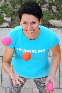 dasha_loves_juggling